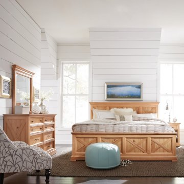 Country Lodge King Bed, Night Stand, With Dresser And Mirror