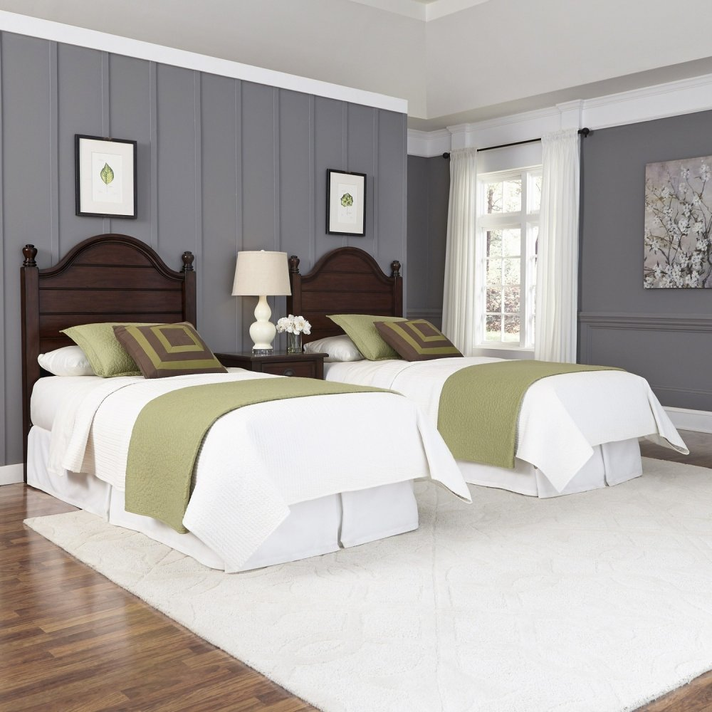 country comfort two twin beds and nightstand homestyles