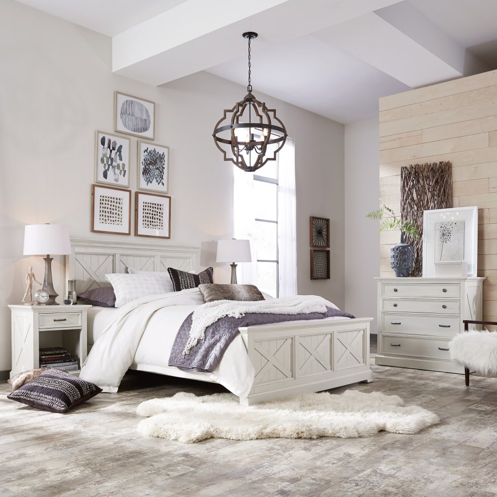 5523-500 bed shown with 5523-41 chest and 5523-42 nightstand, sold separately.
