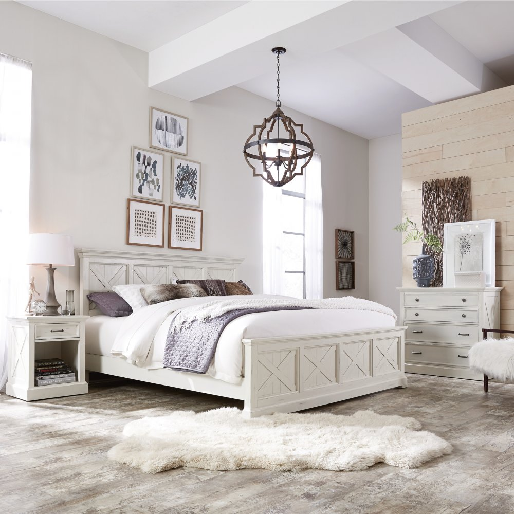 5523-600 bed shown with 5523-41 chest and 5523-42 nightstand, sold separately.