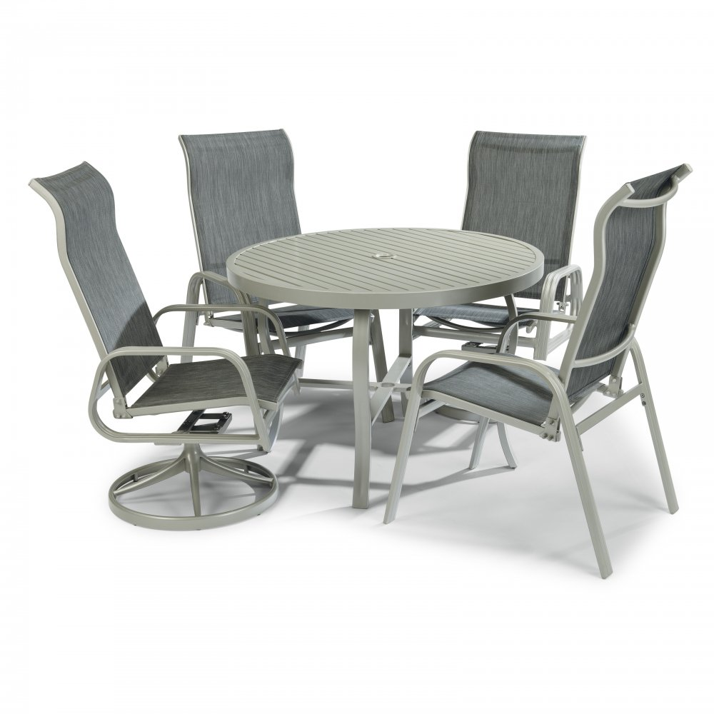 South Beach Outdoor Dining Set 5700-30156 (comes with umbrella and base)